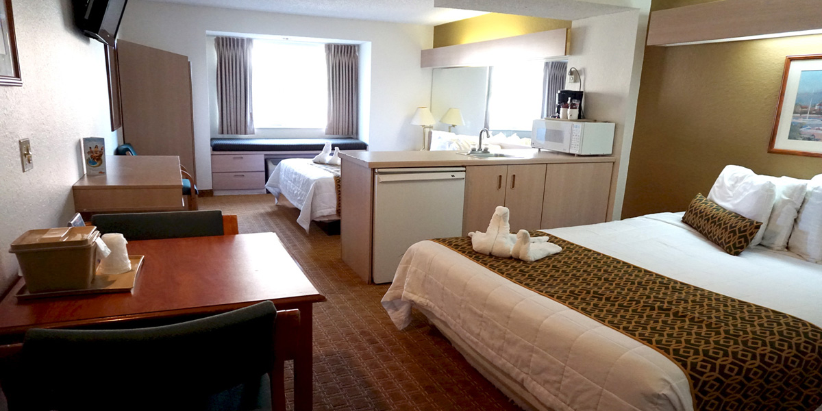 Floridian Hotel And Suites
